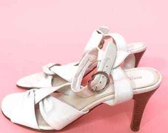 White leather knotted heels 9
