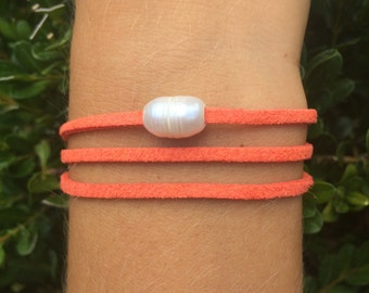 Suedette mounted to a freshwater pearl bracelet