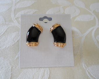 Monet Black Enameled Gold Tone Pierced Vintage Earrings