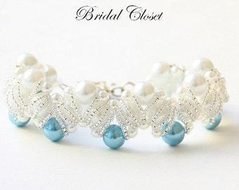 Braccialetto di perle nuziale, nuziale Bracciale perla, qualcosa di blu perline braccialetto, braccialetto di cerimonia nuziale, gioielli di nozze, braccialetto di perle