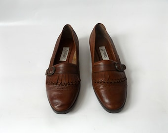 leather fringe loafers - ladies size 7 - vintage 90s brown slip on oxford shoes - hipster preppy flats - 1990s normcore menswear clothing