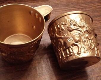 Mycenaean cups pair - Pair of Vapheio cups