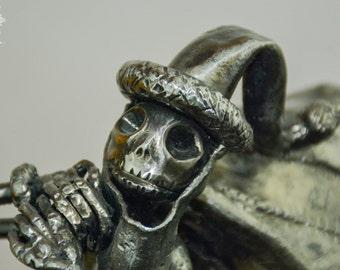 Jack skellington sculpture, coat in ''Sandy claws''