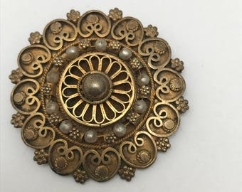 Vintage Pin brooch . Victorian Revival Silver jewelry