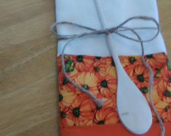 Autumn Pumpkins on flour sack tea towel.