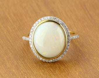 Weiß Opal und Diamant-Verlobungsring 14K Gold SKU: 1864B002 - 8 x 6