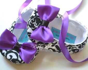 Damask Baby Shoes Black & White Soft Ballerina Slippers Baby Booties with Purple Bow and Ribbon Tie