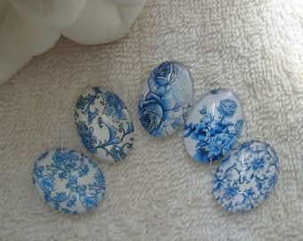 CABOCHONS FLEURS CHAMPS  2.5 cm  en verre ovales fleurs roses et fleurs des champs lot de 5 pour créations uniques