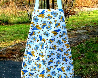 Childs Apron Teddy Bears Strawberries Size 2T thru 4T Kids Reversible Adjustable