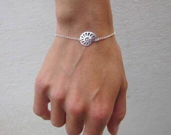 Nautilus bracelet dainty chain sterling silver charm bracelet shell stack bracelet layering  bracelet simple modern minimal everyday jewelry
