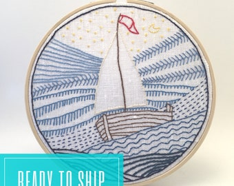 Hoop art embroidery Sailboat in the ocean, embroidered picture, bamboo hoop of 17 cm, embroidered home decor