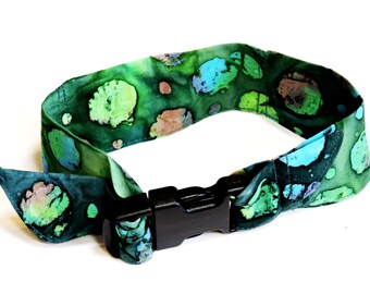 Batik Dog Cooler Collar Bandana, Neck Cooling Band, Fabric Stay Cool Wrap Collar Buckle Adjustable Size Small 10 - 14 inch Green iycbrand
