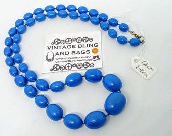 62cm vintage 1980s necklace, CORNFLOWER BLUE plastic necklace, graduated bead necklace, blue necklace, vintage blue necklace, blue beads