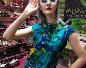 Cool Vintage 60s Mini dress! Hawaiian beach tiki. Size small medium. Hippie gogo dancer