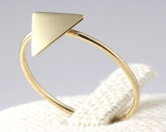 14K Solid Gold Triangle Ring, 14K Gold Simple Ring, 14K Solid Gold Geometric Ring, 14K gold Ring, 14K Gold Minimalistic Ring