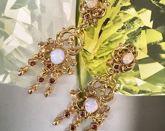 VINTAGE SPHINX - Neo Victorian classic clip earrings Aurora Borealis and Violet