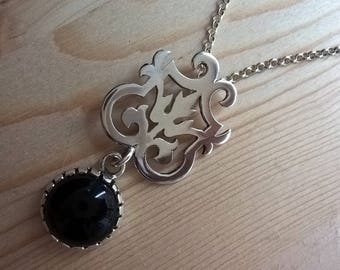 Handcrafted sterling silver pendant with an onyx gemstone and 48 cm silver chain, scroll saw cutting, handcut sterling silver necklace