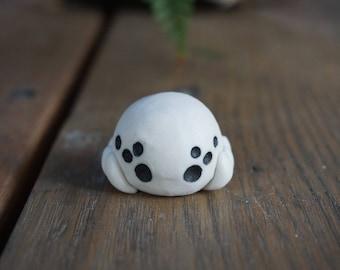 Porcelain 8-eyed spider deskpet
