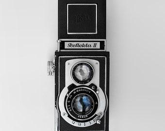 Vintage Camera Reflekta II Minimalism Art Print Wall Decor Image - Unframed Poster