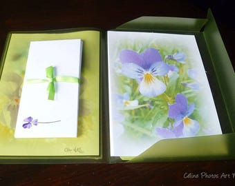 Papier à lettres réalisé à partir des  photos de pensées et de violettes de Céline Photos Art Nature