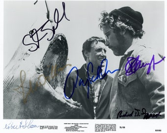 JAWS   :    Cast Signed Photograph