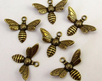 Baby Bee Charm, Antique Gold, 6 Pc. AG193