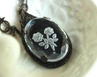 floral glass pendant necklace, vintage style, heirloom pendant necklace, glass intaglio necklace, victorian style jewelry, rose motif