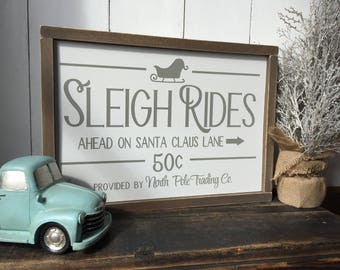 Sleigh Rides sign, Rustic Christmas Sign, Distressed wood sign, Farmhouse Style Sign, Rustic Christmas Decor, Winter Sign, Winter Decor