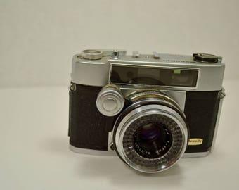 Vintage 1950's Beauty Beaumat Range Finder Camera - Made in Japan