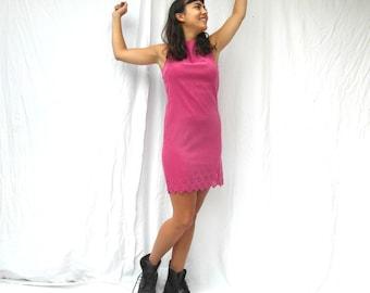 Pink shift dress, wiggle dress. Jackie O style, size M, French vintage clothing, retro clothes, vintage fashion, 90's clothing.
