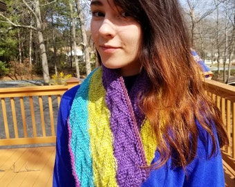Wonderful lightweight cowl in bright spring colors.