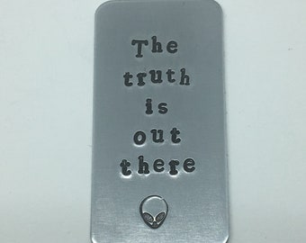 """X-Files """"The truth is out there"""" X-Files Inspired, Alien, Pin/Keychain"""