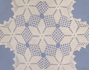 Vintage Hand Crocheted Doily - Round White Flower Doily - 1940s Linens - Vintage Home Decor - OOAK - 16""