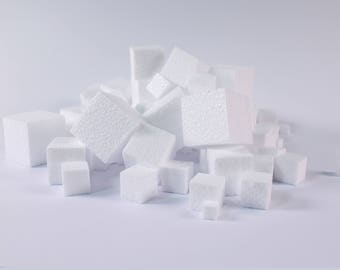 White Styrofoam Polystyrene Cubes for Kids Modelling Pack of 100 3D Shapes in Mixed Sizes