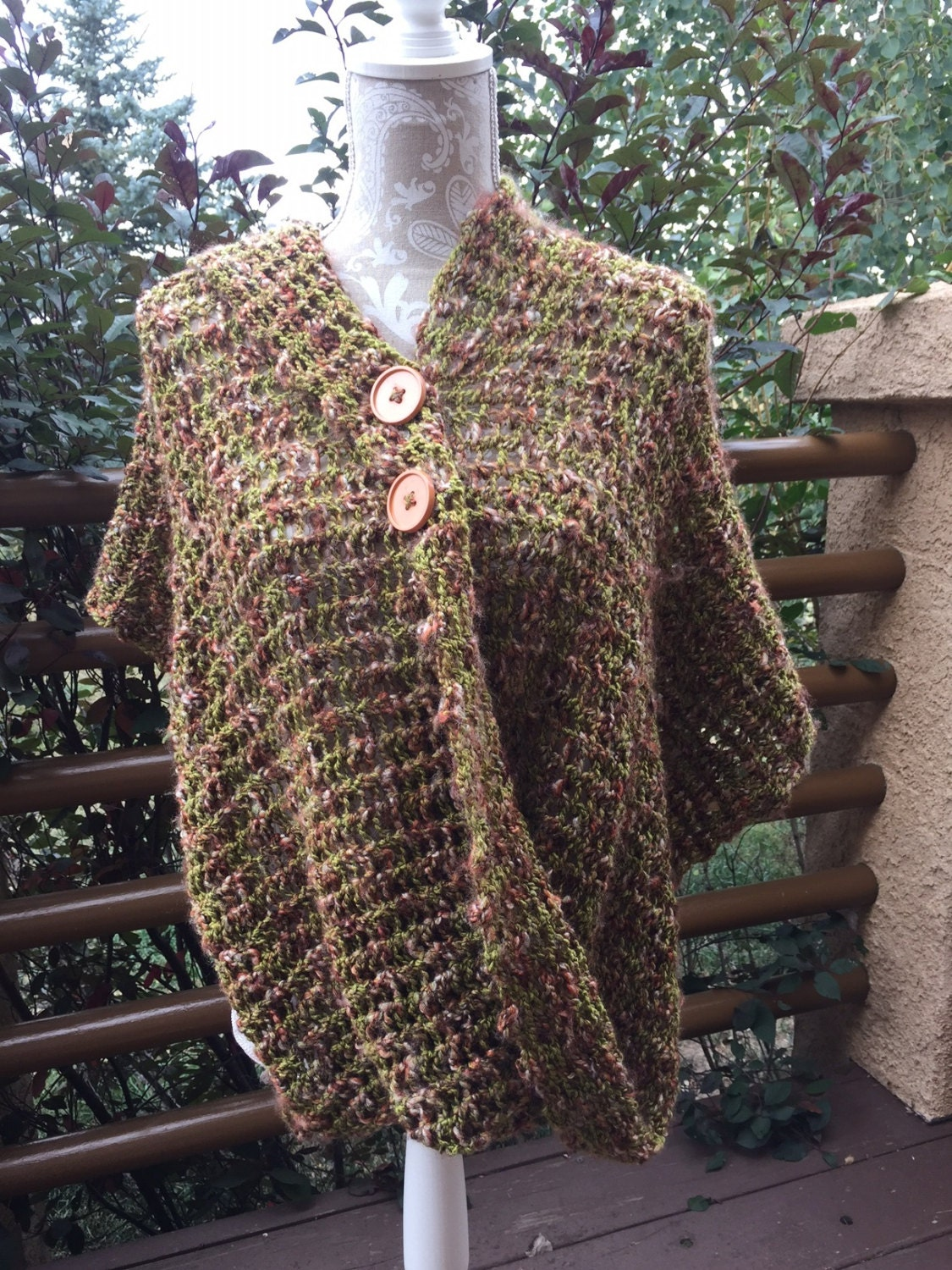 Mobius Wrap - a loom knit pattern from DaynaScolesDesigns on Etsy Studio