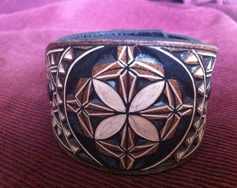 Geometric hand carved leather bracelet - tooled leather jewelry - handmade leather cuff