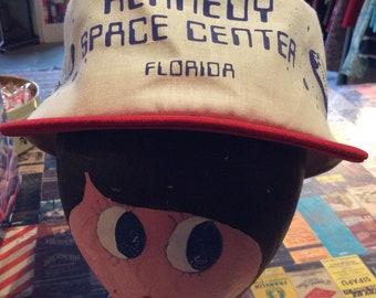 1970s-1980s  Kennedy Space Center Souvenir Hat