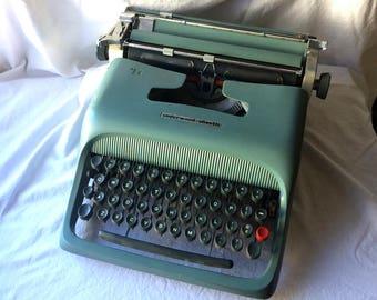 Olivetti Studio 44 Manual Typewriter