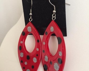 Dangle hoop earrings