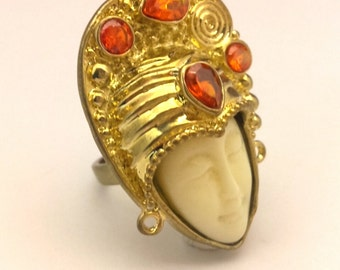 Vintage Ring Size 6.0 Carved Moon Face Faux Ivory Redish Crystal Gold Plated