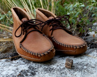 Men's Saddle Tan Leather Batwing Moccasin