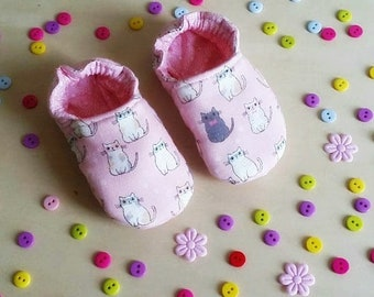 "Little soft baby shoes ""Cat in pink"" 0- 18 months"