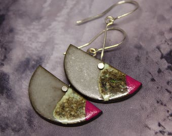 Ceramic earrings with a drop of pink/ Circle earrings/ Silver minimalist jewelry/ Dangle earrings/ Great mothers day gift