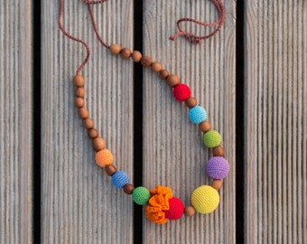 Gift - Bright Rainbow Necklace for Mom - Nursing Necklace - Teething Necklace - Apple Wood