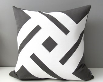Decorative Grey & White Outdoor Pillow Cover, Modern Sunbrella Pillow Cover, Geometric Pillow Cover, Gray Cushion Cover, Mazizmuse Pinwheel