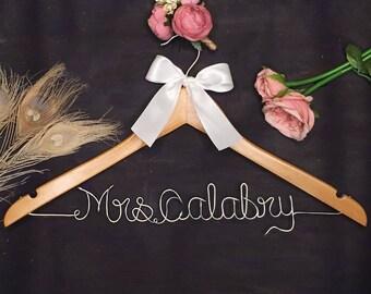 Custom Wire Name Hanger, Personalized Wedding Hanger, Bridal Hanger, Custom Hanger Bachelorette, Vintage Wedding Hanger, Shower Gift