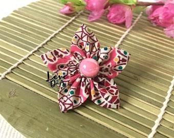 Estelle - Blume - Pin - Brosche - handgefertigt - Liberty print - Button - Zubehör - leicht zu tragen