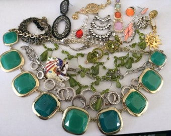 Vintage to Now Broken Jewelry for Wear, Repair or Craft.  Lot #12