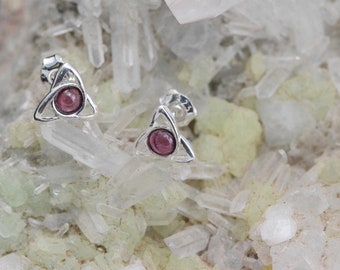 Triquetra Garnet and 925 Sterling Silver earrings