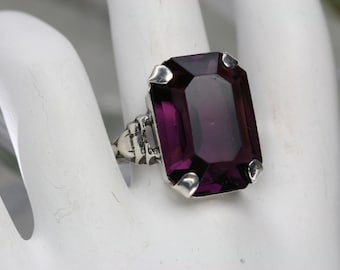Vintage Sterling and Purple Glass Stone Ring